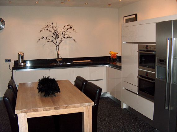 Keuken hoogglans greeploos - Keuken volledige verkoop ...